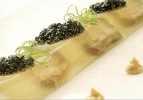 Lingote de cochinillo y ostras