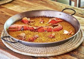Arroz de bogavante en paella