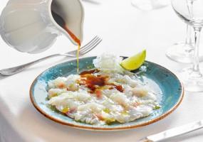 Tiradito de pargo con salsa ponzu